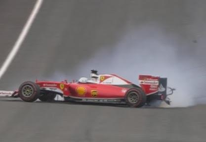 F1-2016-RED-BULL-RING-Dimanche-3-juillet-La-FERRARI-de-SEB-VETTEL-en-perditip-apres-léclatement-de-son-pneu-arriére-droit