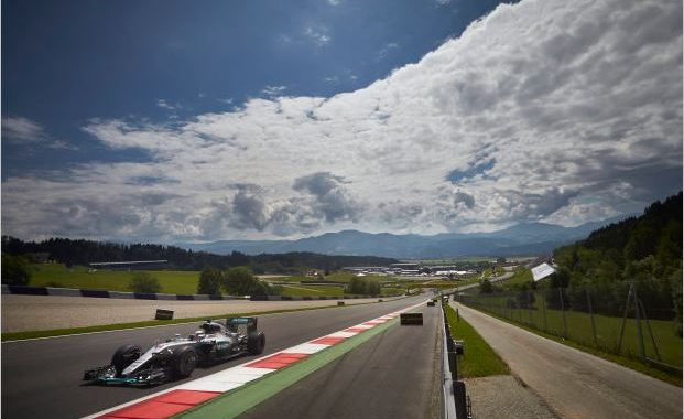 F1-2016-RED-BULL-RING-HAMILTON-ET-MERCEDES-EN-POLE-DU-GRAND-PRIX-D'AUTRICHE