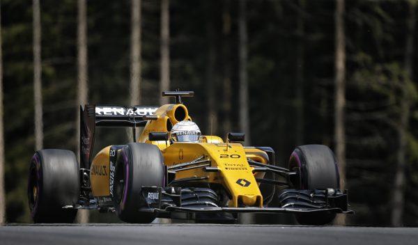 F1 2016 RED BULL RING La RENAULT de KECIN MAGNUSSEN.j