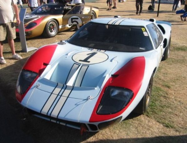 FORD GT40 MKII classée deuxième en 1966 (image Thierry Thomassin) Laguna-Seca