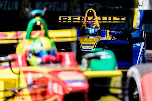 FORMULA E 2015 2016 GP de LONDRES -DI GRASSI termine devant BUEMI.