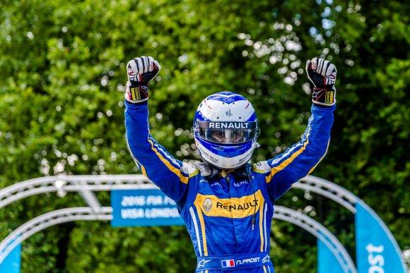 FORMULA-E-2015-2016-GP-de-LONDRES-le-podium-avec-Nicolas-PROST