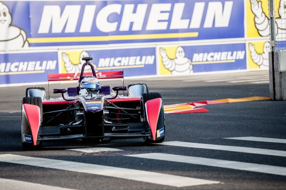 FORMULE-E-2015-PEKIN-SAM-BIRD-Team-DS-VIRGIN-