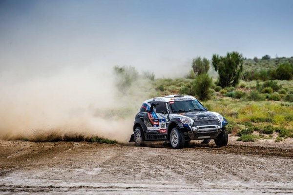 SILK WAY RALLY 2016 La MINI de VASILYEV et ZHILTSOV.