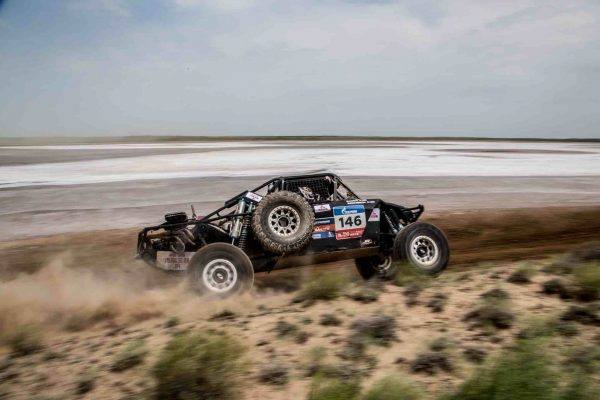 SILK WAY RALLY 2016 - Le Buggy de SCOTT DAMEN JEFFERIES et MAX BRYAN EDDY Junior.
