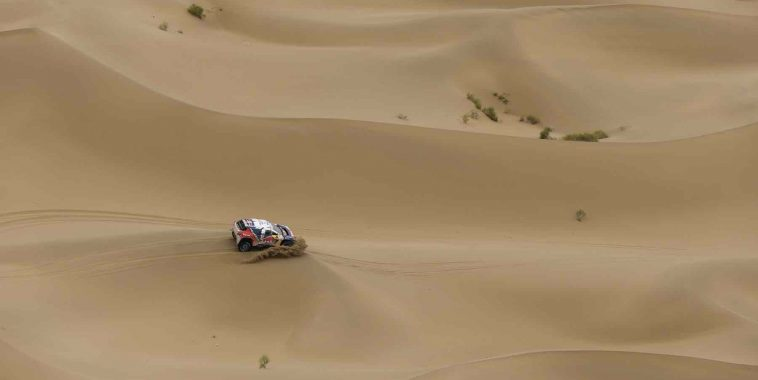 during the Silk Way 2016 Rally , Stage 12  Jiayuguan - Alashan ,  July 21 ,  China - Photo Florent Gooden / DPPI