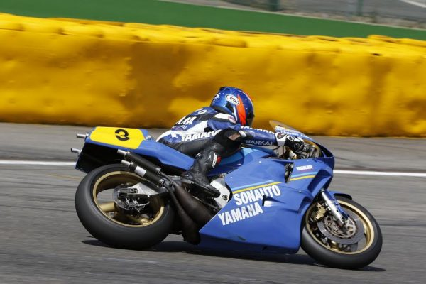 SPA-BIKERS-CLASSIC-2016-Lancien-Champion-du-Monde-des-250cc-en-1984-le-Français-Christian-Sarron-en-action-©-Manfred-GIET-