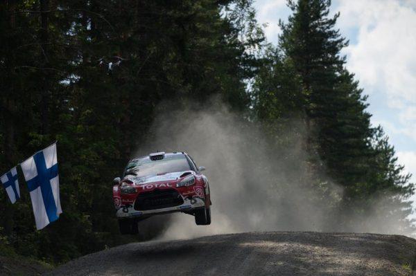 WRC-2016-FINLANDE-KRIS-MEEKE-ET-SA-DS3-filent-vers-la-victoire