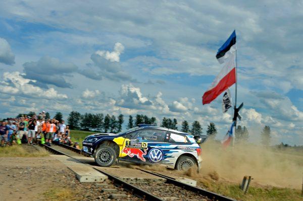 WRC-2016-POLOGNE-La-VW-POLO-WRC-de-SEB-OGIER
