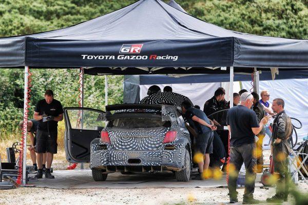 WRC-2016-l-EQUIPE-de-la-future-TOYOTA-WRC.