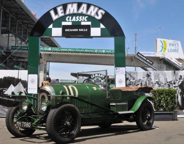 """""""ces vieilles Bentley c'est fabuleux de voir ces premières voitures encore courir… respect !"""""""