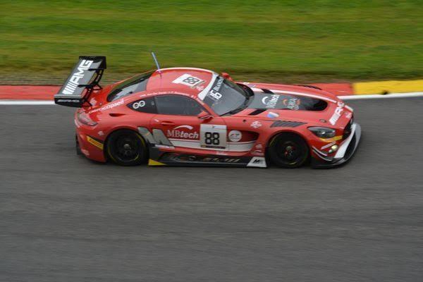 24-HEURES-de-SPA-2016-La-MERCEDES-AMG-GT3-du-Team-AKKA-ASP-de-VAUTIER-ROSENQVIST-VAN-DER-ZANDE-Photo-Nicolas-PALUDETTO-