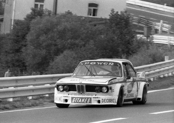 24-Heures-de-Spa-1976-La-BMW-3.0-CSL-de-PELTIER-CARLIER-record-absolu-sur-lancien-ttracé-avec-une-moyenne-de-203528-Kmh-©-Manfred-GIET