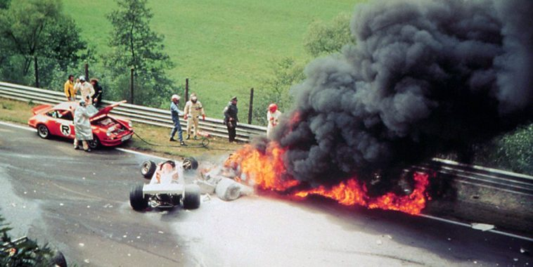 F1 1 AOUT 1976 ACCIDENT NIKI LAUDA.