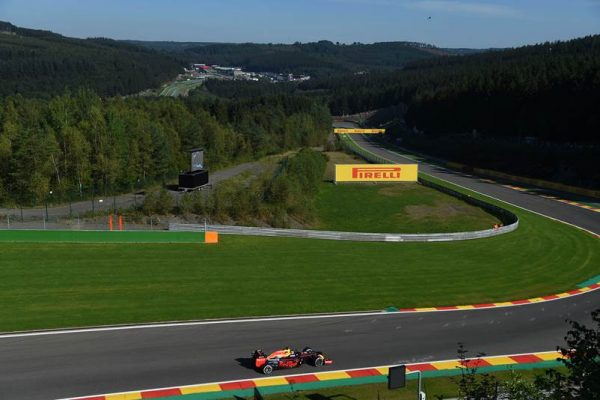 F1-2016-SPA-La-RED-BULL-de-MAX-VERSTAPPEN