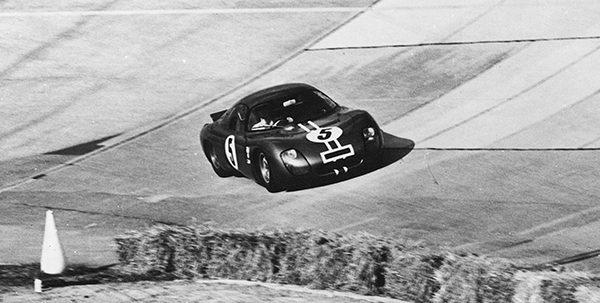 GRANDES-HEURES-2016-Le-proto-CD-Peugeot-SP66-qui-avait-participé-aux-1000-Kilomètres-de-Paris-en-1966