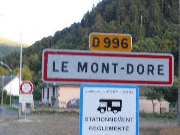 MONTAGNE-MONT-DORE.