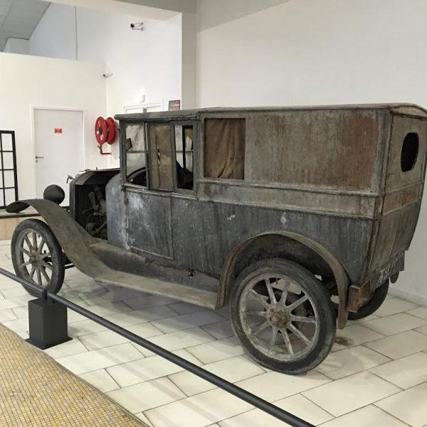 MUSEE-AVENTURE-PEUGEOT-Type-163-Commerciale-de-1922 -enmurée 70-ans.