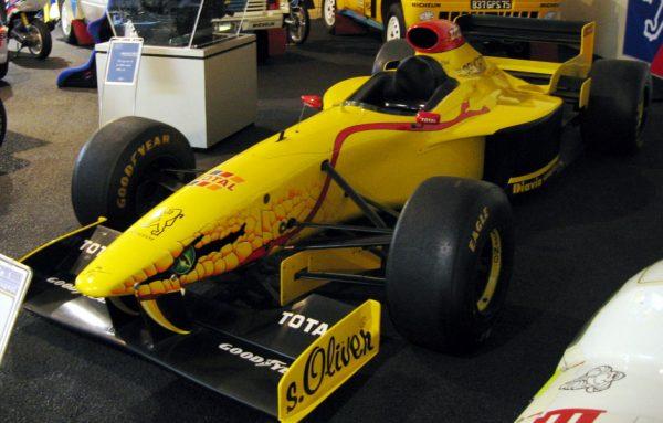 MUSEE PEUGEOT La FORMULE 1 JORDAN à moteur V10 PEUGEOT de 1997 de RUBENS BARRICHELLO
