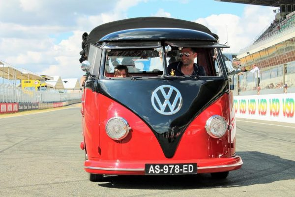 SUPER-VW-FESTIVAL-2016-Combi-split-simple-cabine-vainqueur-du-TOP15-Photo-Emmanuel-LEROUX