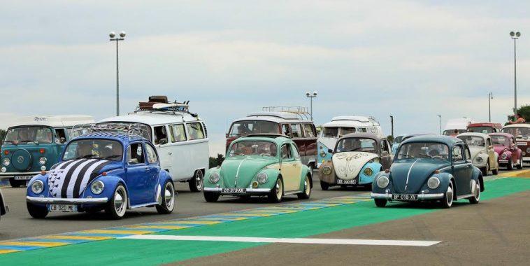 SUPER VW FESTIVAL 2016 - La grande parade sur le circuit BUGATTI du MANS - Photo Emmanuel LEROUX