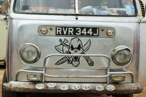 SUPER-VW-FESTIVAL-2016-Les-anglais-nhésitent-pas-à-traverser-le-CHANEL-pour-venir-au-Mans.-Photo-Emmanuel-LEROUX