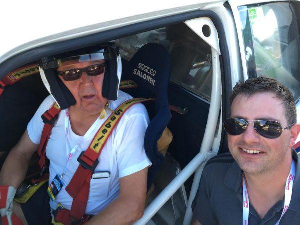 VOSGES-RALLYE-FESTIVAL-2016-DAMIEN-JACQUOT-a-sa-descente-de-la-205-T16-a-coté-de-son-pilote-TIMO-SALONEN-Photo-Autonewsinfo