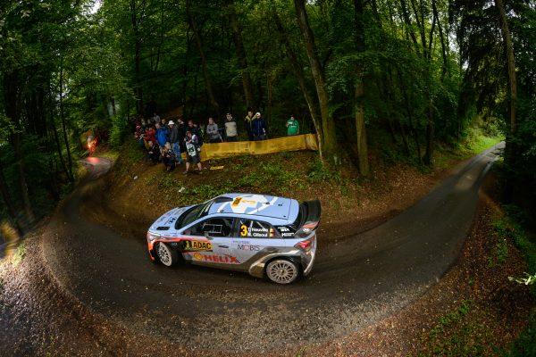 WRC 2016 - ALLEMAGNE -HYUNDAI i20WRC de THIERRY NEUVILLE