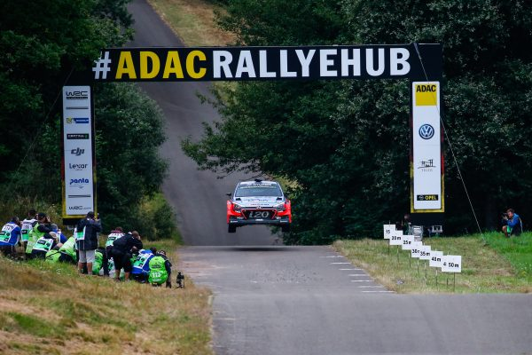 WRC-2016-ALLEMAGNE-La-HYUNDAI-i20-WRC-de-DANI-SORDO