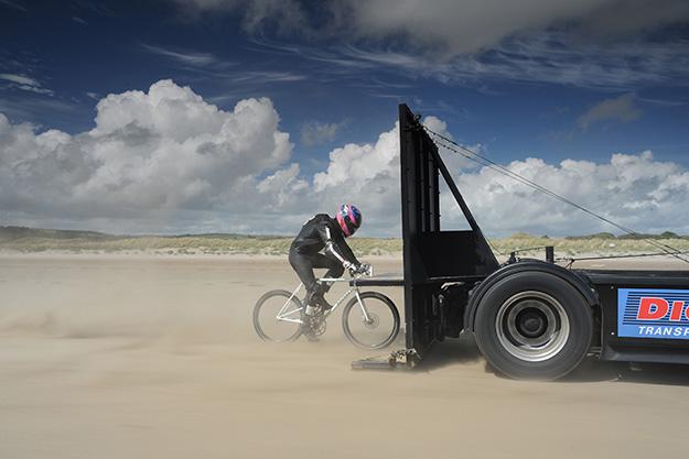 200 KM/H EN STOUNE, VRAIMENT VRILLÉ MAIS TALENTUEUX