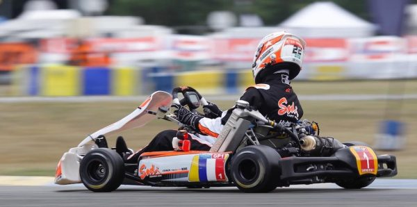 24-HEURES-DU-MANS-KARTING-2016-Equipe-SARTHE-RTKF1-le-futur-vainqueur-Photo-Thierry-COULIBALY