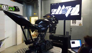 ellip-6-1ere-mondiale-ellip6-cree-le-simulateur-moto-8-axes