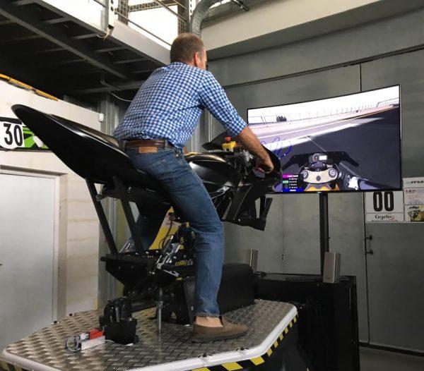 ellip6-le-nouveau-simulateur-moto-8-axes