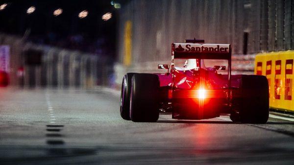 F1-2016-SINGAPOUR-La-FERRARI-de-SEBASTIAN-VETTEL