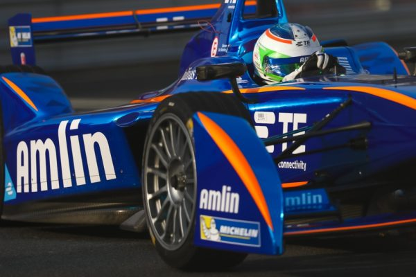FORMULA E 2015 GP de PEKIN - Simona de SILVESTRO avec sa monoplace du Team ANDRETTI Autosport AMLIN.j