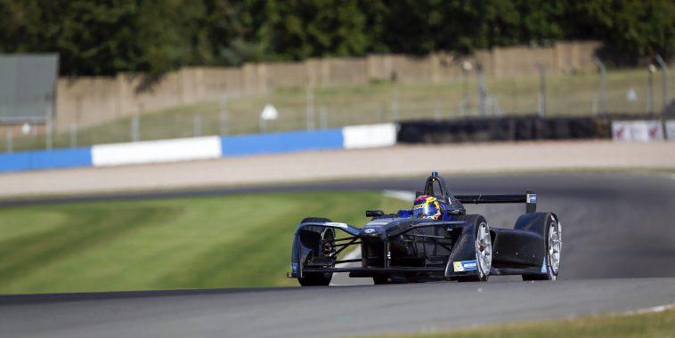 FIA Formula E Season 3 Testing - Day Two.  Donington Park Racecourse, Derby, United Kingdom. Wednesday 24 August 2016. Photo: Adam Warner / LAT / FE. ref: Digital Image _L5R0347