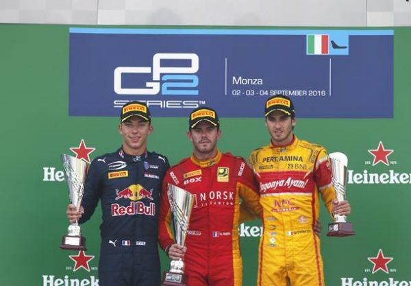 GP2-2016-MONZA-NORMAN-NATO-sur-la-plus-haute-marche-du-podium-dimanche-4-Septembre-entouré-de-Pierre-GASLY-et-Antonio-GIOVINAZZI.