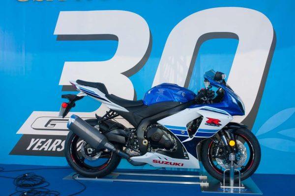 MOTO-ENDURANCE-MONDIALE-2026-Une-sacrée-bécane-30-ans-pour-la-Suzuki-GSXR-©-Photo-Michel-Picard-pour-Autonewsinfo.