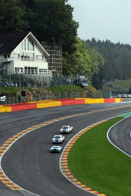 SPA SIX HOURS 2016 - Duel entre les FORD, FALCON et GT 40 - Photo PUBLIRACING.j