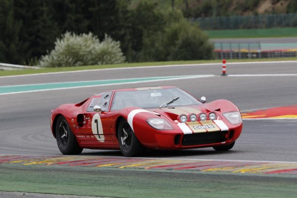 Spa-6-Hours-2016-la-Ford-GT-40-de-Davies-Young-Newall-qui-terminent-3èmes-©-Manfred GIET