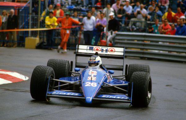 Stefan JOHANSSON GP de MONACO 1988 avec la LIGIER.jp
