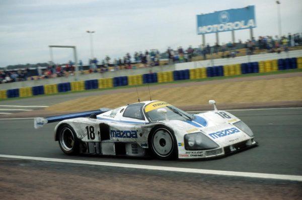 Stefan-JOHANSSON-Mazda-787B-24-Heures-du-Mans-1991-©-Manfred-GIET