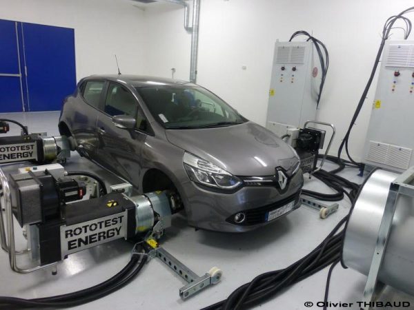 Véhicule-électrique-Partenariat-Ecole-Centrale-Nantes-et-Renault-