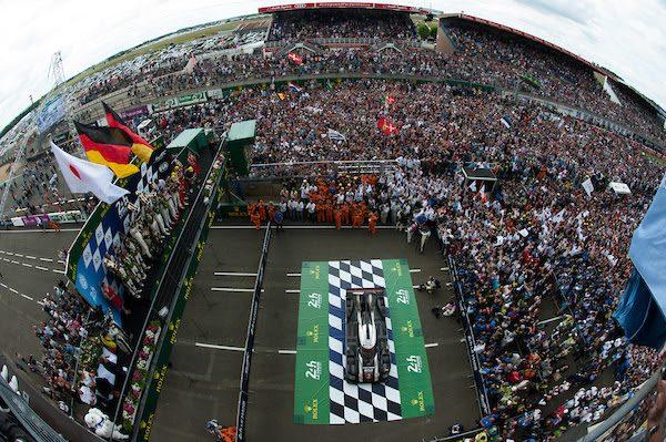 24-HEURES-DU-MANS-2016-Le-podium-a-larrivée