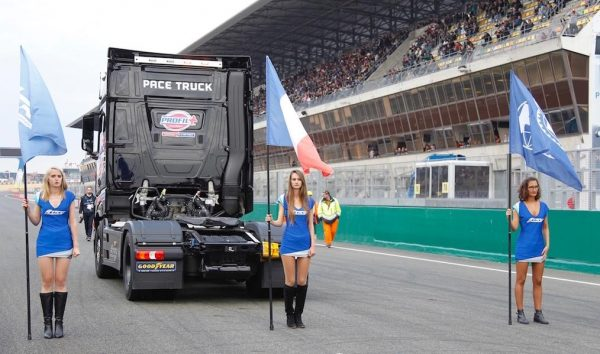 24-HEURES-du-MANS-CAMION-2016-IMPRESSIONNANT-le-Pace-Truck-Photo-Thierry-COULIBALY.