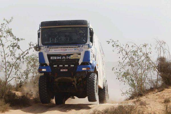AU-RALLYE-OILYBIA-DU-MAROC-2016-ROTSAERT-le-leader-des-Camions.