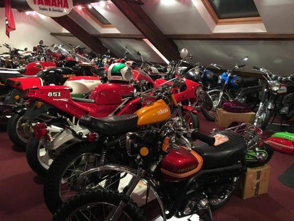 DAKAR D'ANTAN 29 Octobre 2016 Reunion en Sologne des DAKARIENS - L'une des salles d'exposition de la sublime collection des motos