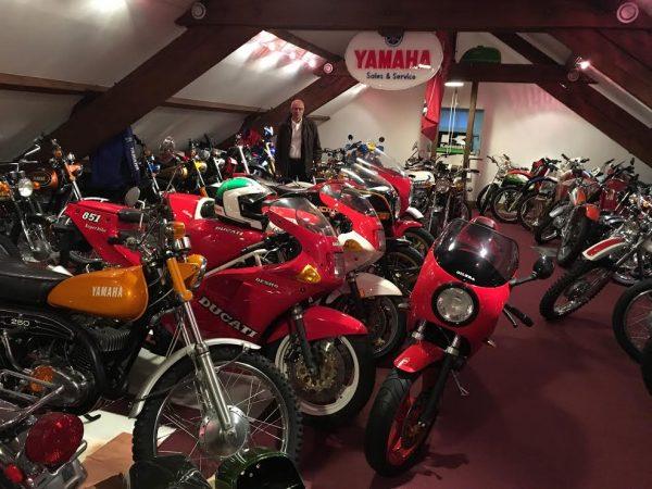 DAKAR-DANTAN-29-Octobre-2016-Reunion-en-Sologne-des-DAKARIENS-Lune-des-salles-dexposition-de-la-sublime-collection-des-motos