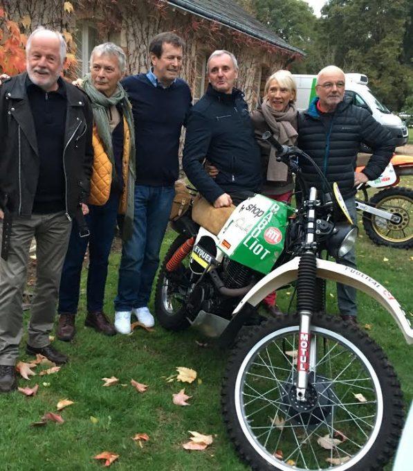DAKAR-DANTAN-29-Octobre-2016-Reunion-en-Sologne-des-DAKARIENS-Une-belle-brochette-autour-dHubert-AURIOL-et-FENOUIL-Martine-de-CORTANZE-Fifi-VASSARD.j