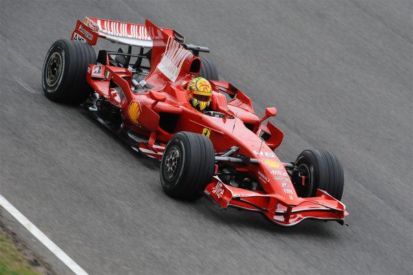F1 2010 Valentino ROSSI pilote la FERRARI F2008.